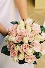 66350880f Úspech Vašej svadobnej kvetinovej výzdoby záleží na zmysle Vašej kvetinovéj  aranžérky pre detail, eleganciu ale aj od skúsenosti a pochopenia Vašej ...